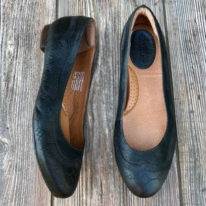 ARIAT leather dreamer flats